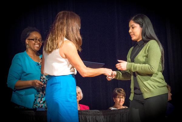 eamd-2015-aef-scholarships-7666